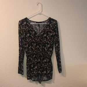 Forever21 floral long sleeve romper size Small